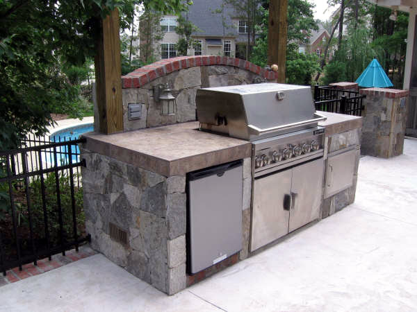 Small Outdoor Kitchen Something Simple Grill Counter Space With Enchanting Outdoor Kitchen Charcoal Grill Design Ideas